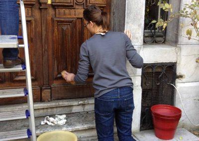 Cleaning-the-door